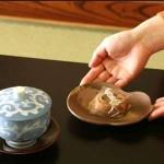 今日使える雑学~温泉旅館の部屋に置いてある茶菓子の秘密