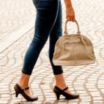 バッグの大きさでわかる女性の心理と男性との相性診断